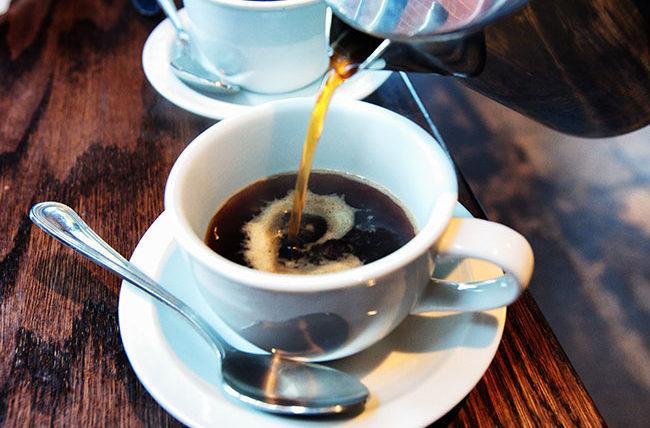 از چه ساعتی دیگر نباید قهوه خورد؟