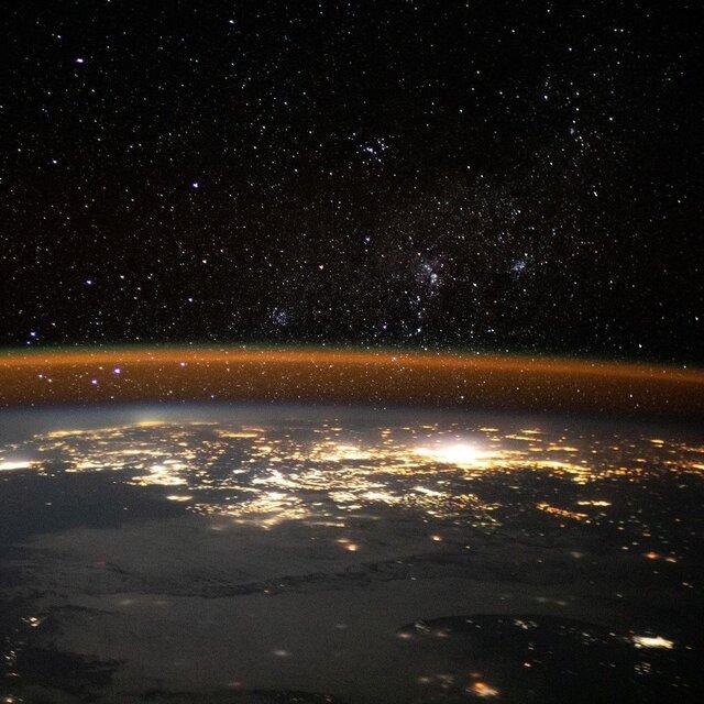 تصویر خیرهکننده زمین از منظر ایستگاه فضایی بینالمللی