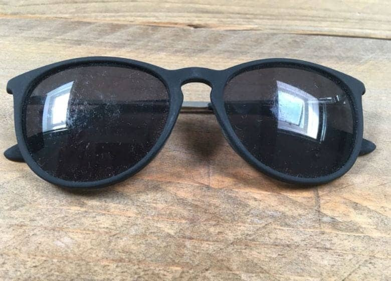 خط و خش عینک آفتابی