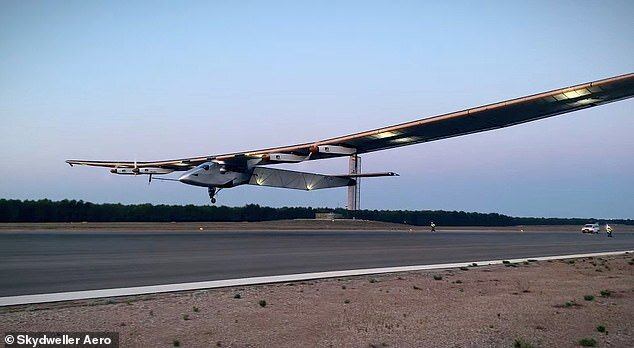 هواپیمایی که میتواند ۹۰ روز در آسمان پرواز کند